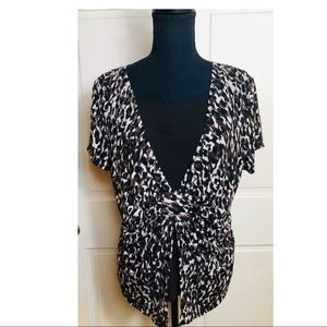 Notations animal print short sleeve blouse